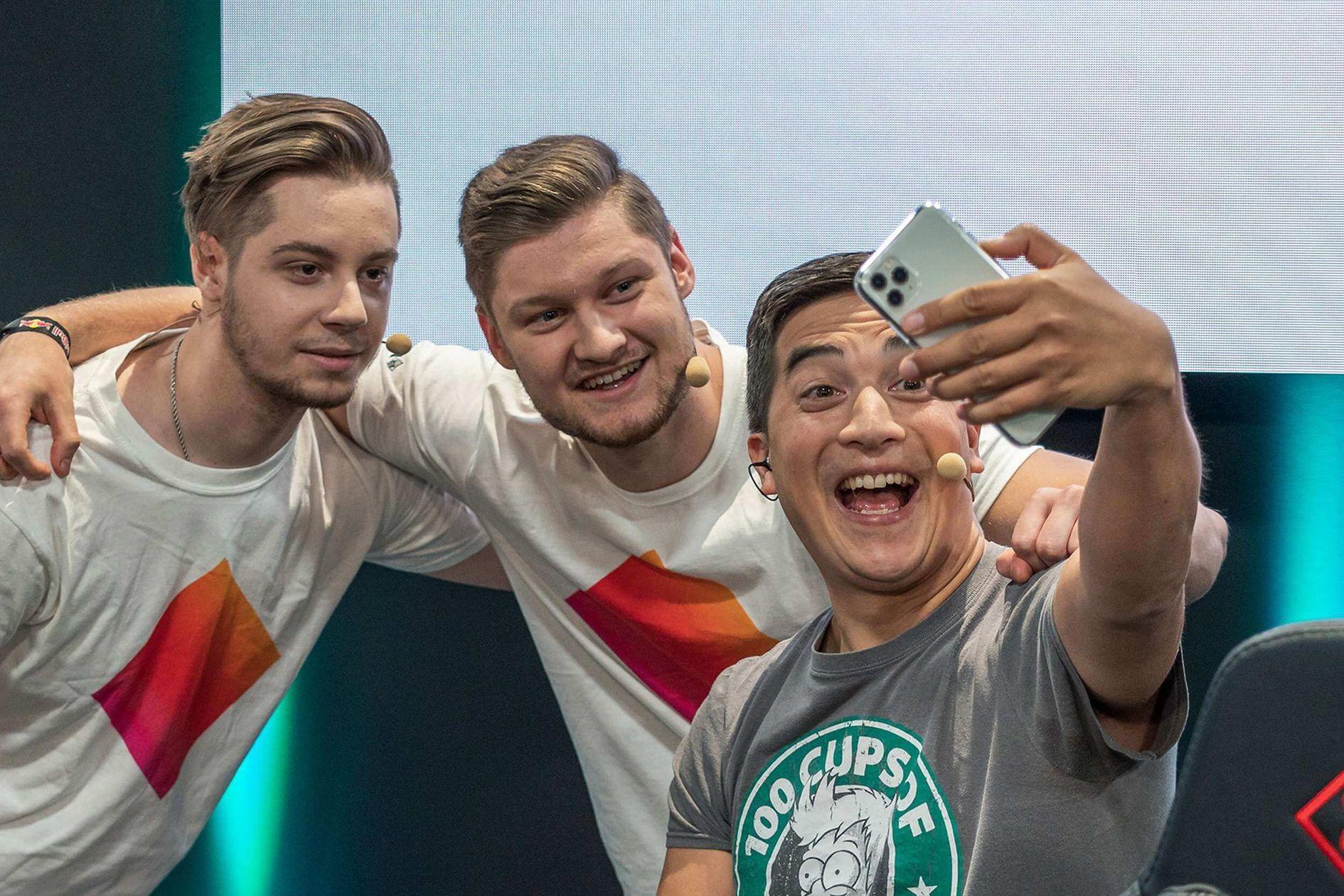 Schnell ein Selfi mit Meru - oder möchte Meru das Selfi?