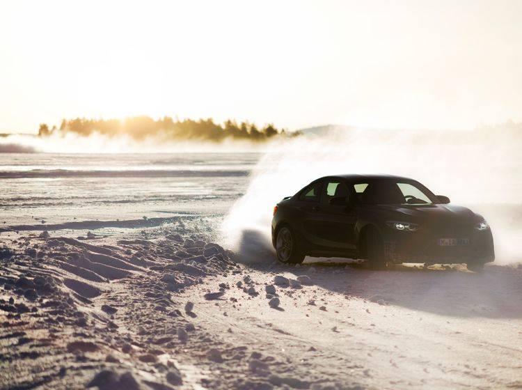 Spektakuläres Video: BMW M on Ice